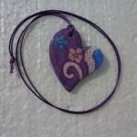 Bijoux mauve et bleu avec son cordon violet
